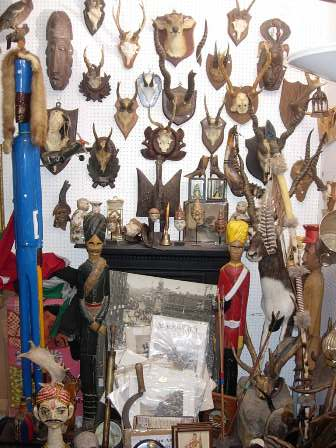 bbdf23642c COVENT GARDEN ANTIQUE MARKET SPORTING ITEMS
